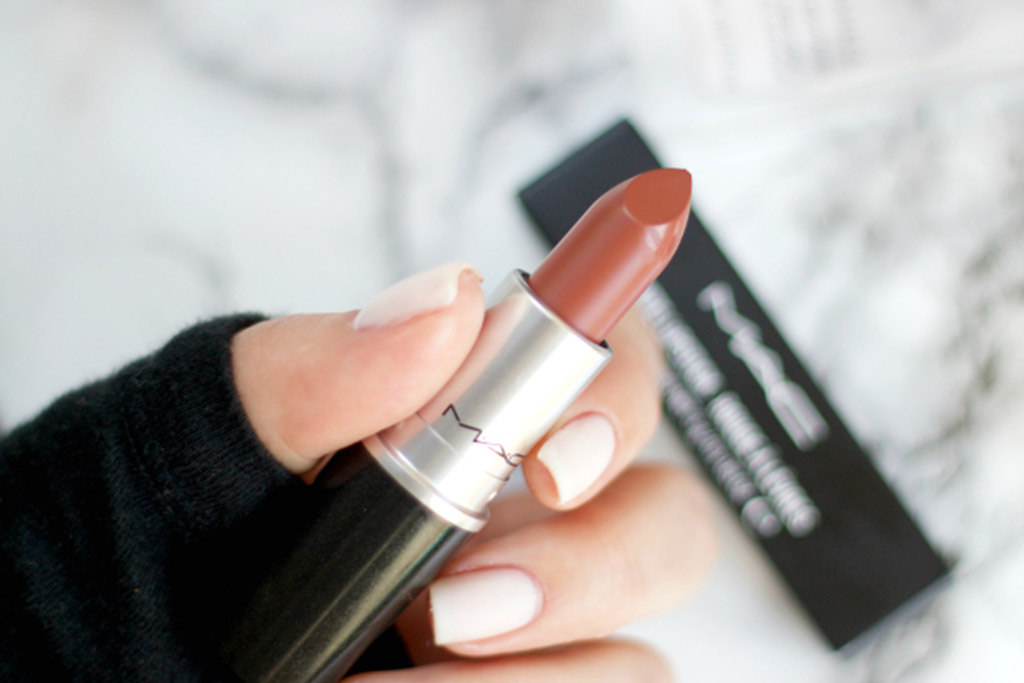 mac-taupe-lipstick-review-background