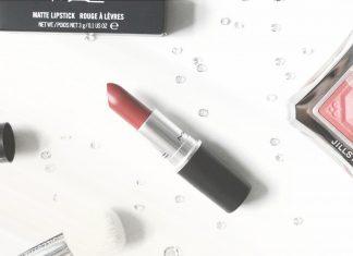 mac-cult-favorite-lipstick-cover