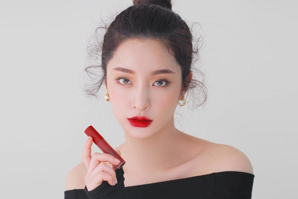 3ce-soft-lip-lacquer-model-1