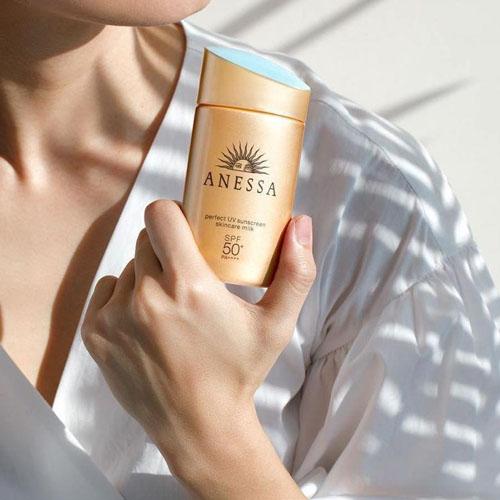 Anessa-Perfect-UV-Sunscreen-Skincare-Milk